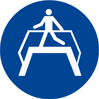 Obbligatorio utilizzare il ponte pedonale